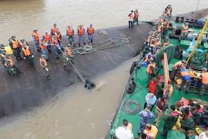 TOPSHOTS-CHINA-YANGTZE-ACCIDENT-SHIP